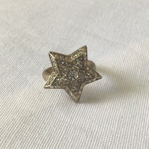 NWOT Banana Republic brushed gold tiered star ring